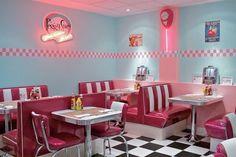Arredo Vintage: Arredamento American Style per Case e Locali – Decoración – retro Café Retro, Retro Cafe, Retro Diner, Cafe 50s, 50s Diner Kitchen, 1950s Diner, Vintage Diner, Mode Vintage, Diner Restaurant