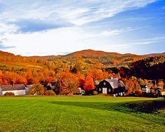Beautiful fall scene in Jim Thorpe, PA! #FallFolliage (Thanks for pinning, @bigfishingshop)