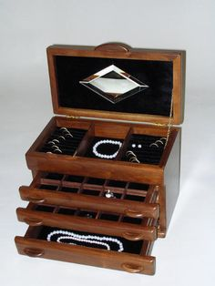 jewelry box except mirror is too small