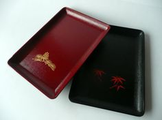 Small trays set of 2 - Japanese vintage - plastic - pine branch and bamboo leaves - WhatsForPudding