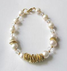 Hochzeit Perlen-Armband  creme-gold von soschoen auf DaWanda.com