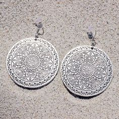 This beautiful, bohemian pair of earrings; the Maya disc earrings - perfect with a low bun or top knot 💛🐚 Shop now at www.sololu.com