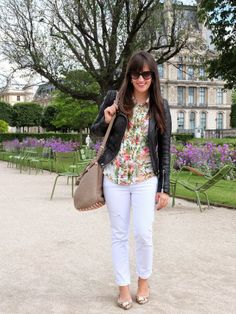 Jardin des Tuileries - Flower Blouse - White Destroyed Skinnies || Pieces of Mariposa