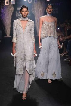 How To Dress Up For A Indian Wedding? Quirky Indian ethnic wear seen at LFW 2017 Lakme Fashion Week, India Fashion, Ethnic Fashion, Fashion Spring, Trendy Fashion, Runway Fashion, Pakistani Dresses, Indian Dresses, Indian Outfits