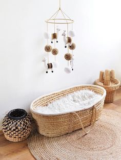 Mid century modern nursery with llama mobile and wicker basket bassinet with fur. - Mid century modern nursery with llama mobile and wicker basket bassinet with fur inside Source by darialissek - Baby Nursery Neutral, White Nursery, Boho Nursery, Nursery Decor, Bedroom Neutral, Lamb Nursery, Nursery Mobiles, Nursery Modern, Nursery Room
