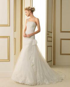 111 TAMESIS / Wedding Dresses / 2013 Collection / Luna Novias