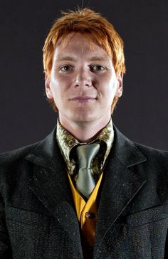 Which Weasley Are You? Of course I got Fred! (I heart Fred Weasley. and James Phelps. Hogwarts, Weasley Harry Potter, Phelps Twins, Oliver Phelps, Weasley Twins, Fred, Wattpad, Harry Potter Universal, Fantasy Movies