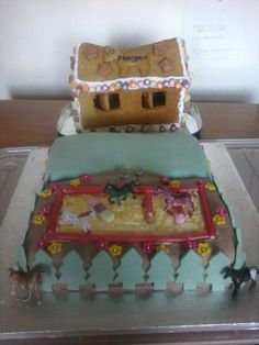 Gingerbread Stables and Cake Ménage Cake