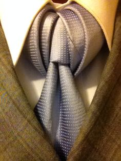 The Vidalia, another slightly complex knot but quite satisfying on the finish.