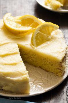 Small Lemon Cake Recipe Small Desserts, Lemon Desserts, Lemon Recipes, Delicious Desserts, Dessert Recipes, Baking Recipes, Small Lemon Cake Recipe, Frosting Recipes, Lemon Buttercream Frosting