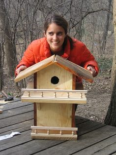 Rocking Chair Plans For Beginners, How To Make A Squirrel . Squirrel Feeder Diy, Squirrel Home, Bird Feeders, Homemade Bird Houses, Bird Houses Diy, Rocking Chair Plans, Bird House Kits, Bird Aviary, Easy Coffee