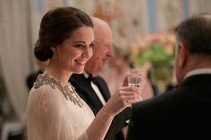 Kate Middleton Photos - Catherine, Duchess of Cambridge smiles during a dinner at the Royal Palace with Prince William, Duke of Cambridge on day 3 of their visit to Sweden and Norway on February 1, 2018 in Oslo, Norway. - The Duke and Duchess of Cambridge Visit Sweden and Norway - Day 3