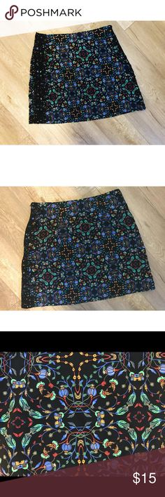 Charming floral pattern mini 100% viscose  Black Lace detail on sides  Side zip  Great condition!   Versatile pattern, classic with a twist. Floral pattern featuring bluebells is darling!  Europe XS  Mexico 24 Zara Skirts Mini