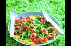 Bylinková omeleta s rajčaty