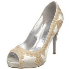 Gold and white bridal shoe inspiration @virginiaanns