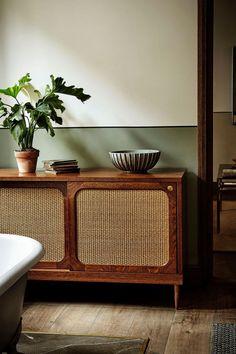 Ideas Vintage Interior Decorating Ideas Spaces For 2019 Retro Home Decor, Home Decor Kitchen, Home Decor Bedroom, Diy Home Decor, Bedroom Ideas, Home Furniture, Furniture Design, Antique Furniture, Wooden Furniture