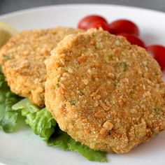 Serve these delicious baked tuna burgers on a bun, over salad, or just eat them plain by themselves! - Everyday Dishes & DIY