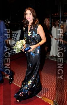 Crown Princess Mary attended the Design Awards 2016′ to Danish designers of the year at Folketeatret in Copenhagen