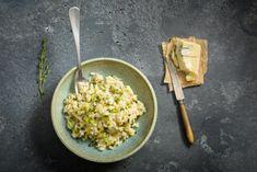 Zucchetti-Risotto mit Gorgonzola - Rezepte | fooby.ch Valeur Nutritive, Ethnic Recipes, Food Ideas, Mad, Blue Cheese, Shredded Zucchini, Kitchen Workshop, Family Kitchen, Grains