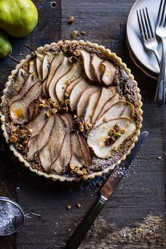 caramelized pear & hazelnut crumble tart