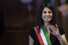Cantone ha smentito invio alla Procura di Roma di un fascicolo ai danni del neo sindaco Virginia Raggi in merito alle consulenze presso Asl di Civitavecchia