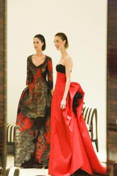 amazing red dress #Prefall2014 #CarolinaHerrera #BEEHAPPY