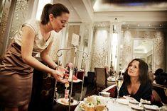 VG Reises beste London-tips London Tips, Churchill, One Shoulder, Victoria, Formal Dresses, Trips, Spaces, Travel, Fashion