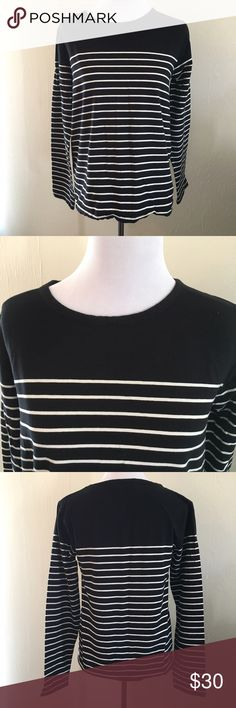 🖤NWOT JoJo Maman Bébé Maternity Striped Top 😍 NEW without Tags. This top from boutique maternity designer JoJo Maman Bébé is made from 95% Cotton and 5% Elastane for just the perfect amount of stretch. Black with white stripes, crew neck, and long sleeves. Lightweight and super comfy, designed to carry through all three trimesters. From my smoke free home. Original Retail: $74.99. Size Large. JoJo Maman Bébé Tops Tees - Long Sleeve