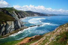 Ruta geológica por la costa vasca Portugal, Backyard Garden Design, Basque Country, Spain Travel, Places Ive Been, Coast, Water, Outdoor, Amazing