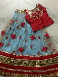 Frocks For Girls, Little Girl Dresses, Baby Dresses, Girls Dresses, Kids Indian Wear, Kids Ethnic Wear, Indian Baby, Kids Dress Wear, Kids Gown