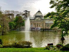 Madrid - the golden metropolis - nookniffler Adventure Travel, Taj Mahal, Highlights, Mansions, House Styles, City, Blog, Spain, Palaces