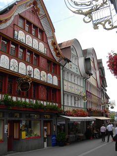 Suisse : Appenzell - rue piétonne