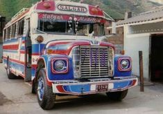 Retro Bus, Old School Bus, Busses, Vintage Cars, Ranger, Jeep, Transportation, Sailing, Classic Cars