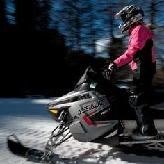 Amanda Tutone stands out among the packs of snowmobilers in the Colorado Rockies. The petite 27-year-old is usually dressed head to toe in hot pink. She often has her Pomeranian, Moose, balanced on her lap. And Ms. Tutone is often the sole woman snowmobiling.