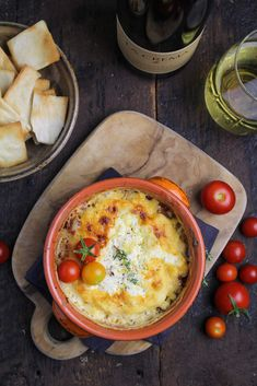 Since it's (arguably) cool enough to use the oven again, the appetizer course for our Labor Day Cookout is a Roasted Tomato Feta Dip. Unique Recipes, Real Food Recipes, Great Recipes, Recipe Ideas, Favorite Recipes, Delicious Recipes, Best Appetizers, Appetizer Recipes, Baked Dip Recipes