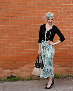 @ristennjansen wearing skirt from the Lulu*s swap last Friday....from Kendi!