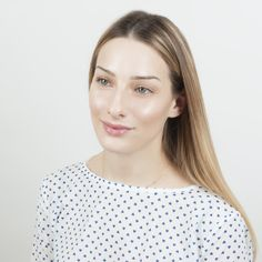 Dewy skin: βήμα- βήμα πώς θα πετύχεις το λαμπερό μακιγιάζ που αγαπούν οι stars - TLIFE