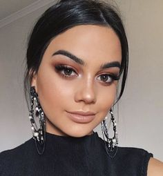 37 Casual Natural Prom Makeup Looks to Inspire You Prom - Make Up - Glam Makeup, Makeup Inspo, Makeup Inspiration, Eye Makeup, Makeup Ideas, Makeup Goals, Makeup Trends, Makeup Tutorials, Tan Skin Makeup