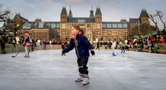 In the winter the Museumplein pond is transferred into an iceskating ring.