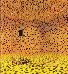 Yayoi Kusama, Mirror Room (Pumpkin), 1991, mirrors, wood, papier mâché, paint, 200×200 x 200 cm. Collection, Hara Museum, Tokyo.