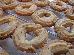 Himmelske kager: Sådan laver du verdens bedste vaniljekranse Danish Dessert, Danish Food, Bagan, Norwegian Food, Scandinavian Food, Big Cakes, Sweets Cake, Dessert Drinks, Snacks