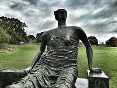 Henry Moore - Draped Seated Woman (1957-8)