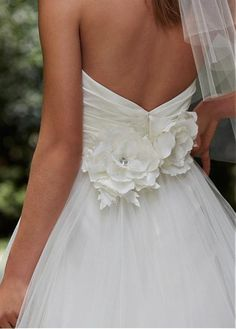 Glamorous Tulle Sweetheart Neckline Natural Waistline A-line Wedding Dress With Handmade Flowers