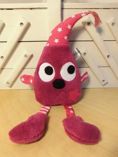 Doudou lutin - fuchsia rose - rayures et étoiles - peluche bébé - fait-main Sewing Projects For Kids, Sewing For Kids, Love Sewing, Baby Sewing, Sewing Toys, Sewing Crafts, Boo And Buddy, Fabric Toys, Couture Sewing