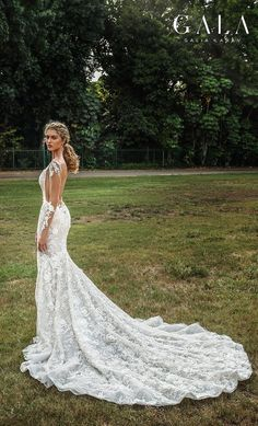 1e363f4456004 GALA Galia Lahav collection no. VII Fall 2019 Bridal    long sleeves deep v