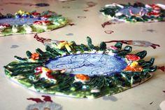 Keramický rybníček s trávou, květinami a zvířátky. Vytvořili předškoláci v našem výtvarném studiu. Birthday Cake, Desserts, Food, Tailgate Desserts, Deserts, Birthday Cakes, Essen, Postres, Meals