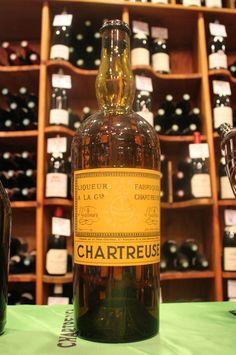 Dégustation de chartreuse : le clou du spectacle, un jeroboam de Voiron Jaune 1952 !