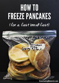 Steps for how to freeze pancakes for a quick and easy breakfast, even on busy weekday mornings. It's a cheap breakfast idea too - use homemade pancake mix or boxed, whatever works for you. Make Ahead Meals, Make Ahead Breakfast, Breakfast Recipes, Meals To Freeze, Frozen Breakfast, School Breakfast, Breakfast Ideas, Freezer Cooking, Cooking Recipes