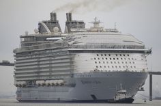 The world's largest cruise ship Harmony of the seas 01