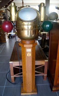 Compas sur fut Anglais double lanterne 1940 - La Timonerie